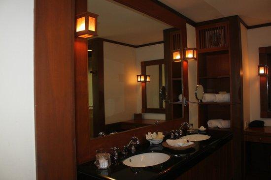 Tanjong Jara Resort : Bumbung room - bathroom