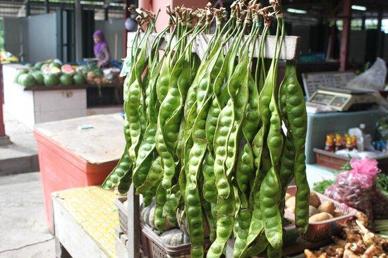 Tanjong Jara Resort : Local Market