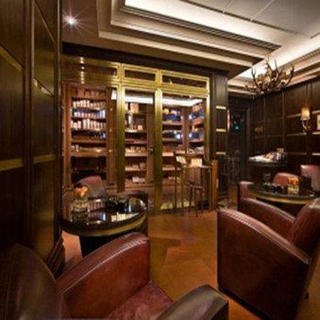 Breidenbacher Hof, a Capella Hotel: Cigar Lounge SCALED