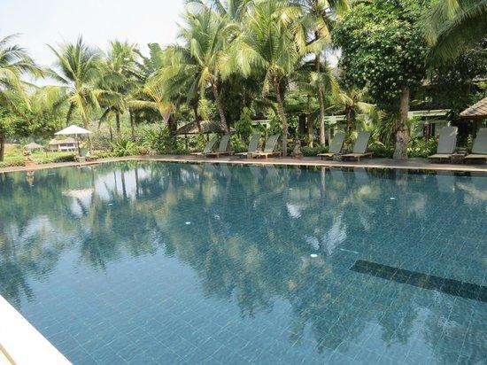 Royal River Kwai Resort & Spa : la piscine !