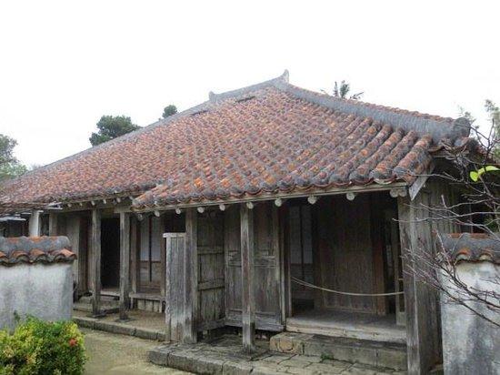 Miyara Dunchi: 屋敷
