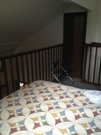 Inn at Creek Street: upstairs bedroom