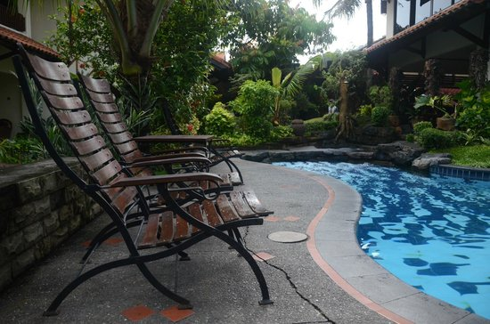 Duta Garden Hotel : At the pool