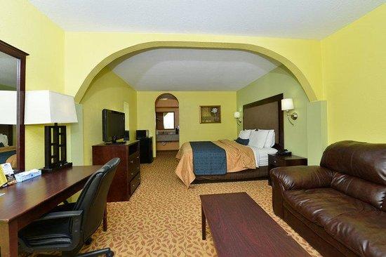 Americas Best Value Inn & Suites-Shenandoah/Conroe: Guest Room