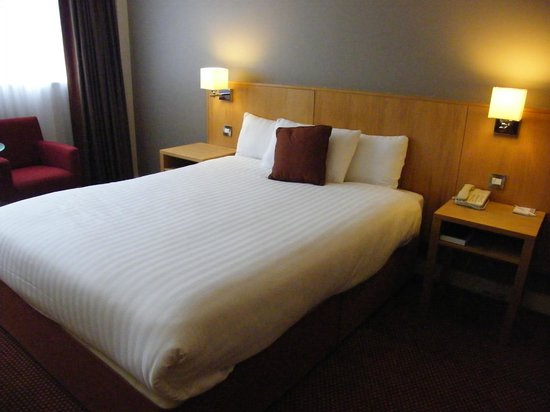 CityNorth Hotel & Conference Centre : comfy bed