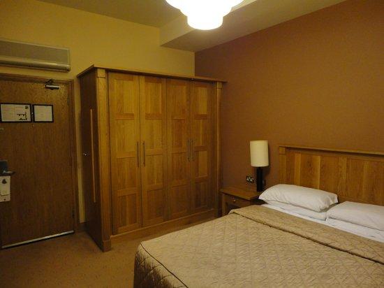 Hotel Isaacs Cork: Chambre 117