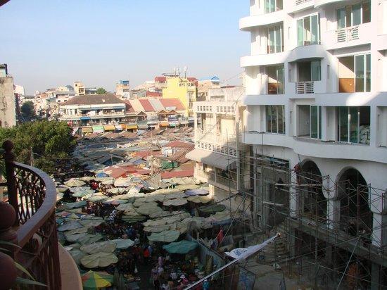 Ohana Phnom Penh Palace Hotel: Der Markt