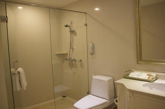 Grande Centre Point Hotel Ratchadamri : Bathroom - Suite