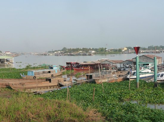 Victoria Chau Doc Hotel: Die schwimmende Stadt