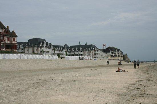 Pierre & Vacances Premium Residenz de la Plage: Vue de la plage