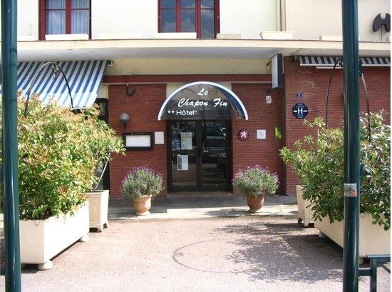 Hôtel le Chapon Fin : Entrée de l'INTER-HOTEL le Chapon Fin
