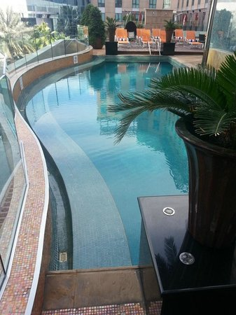 Radisson Blu Hotel, Dubai Media City: Spa pool