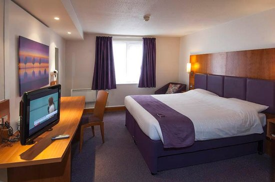 Premier Inn Leicester Central (A50) Hotel: Room
