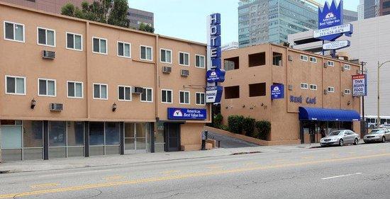 Americas Best Value Inn: Exterior