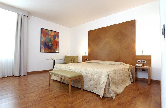 Hotel Pergola: Camera matrimoniale