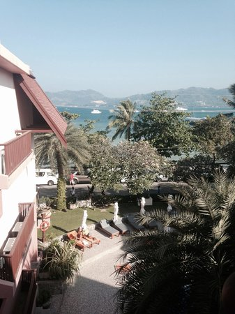 Seaview Patong Hotel: View from our balcony