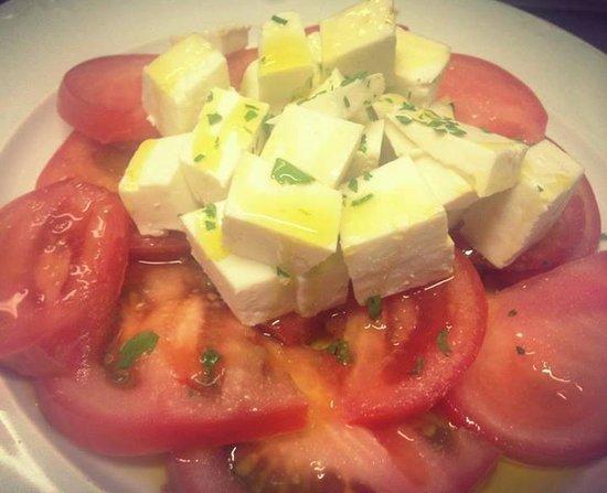 Tasca Tagoror: Tomate con queso fresco