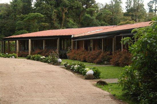Poas Volcano Lodge: Kamer zicht vanuit Tuin