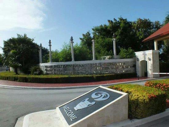 Grand Palladium Punta Cana Resort & Spa : Einfahrt Grand Palladium