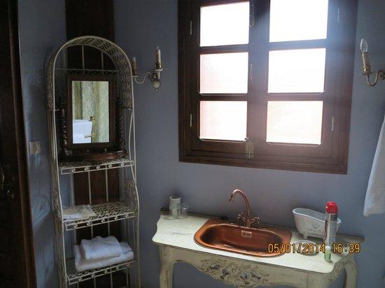 Lokanga Boutique Hotel: Bathroom