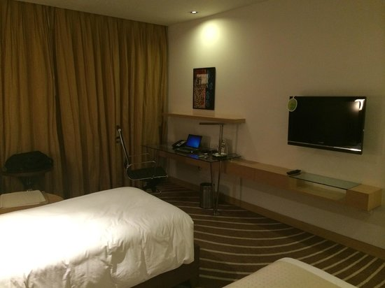 Holiday Inn Mumbai International Airport: Room1