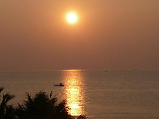 Eden Resort: Sonnenuntergang vom Zimmer aus gesehen