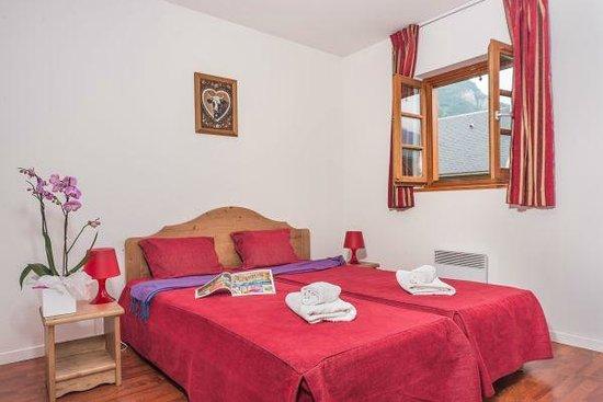 Residence Village Vignec : Chambre avec lit double