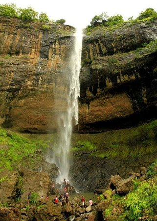 Pandavkada Falls: enormous