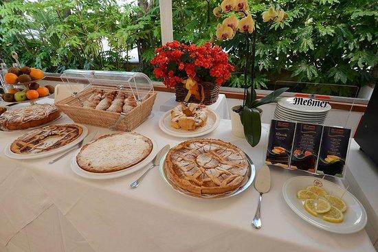 Hotel Parco delle Rose: I dolci della colazione