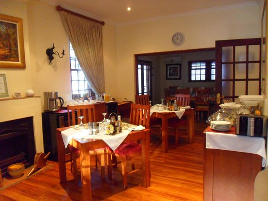 The Oak and Vine Guest House : The general breakfast area