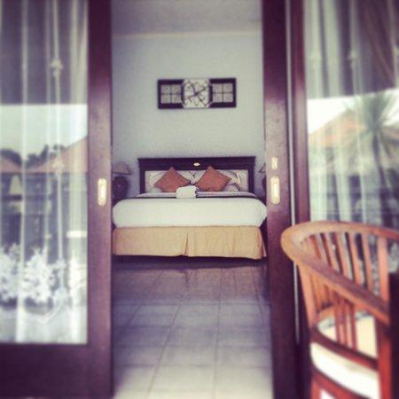 Bali Bule Homestay: Sneak peek of our room