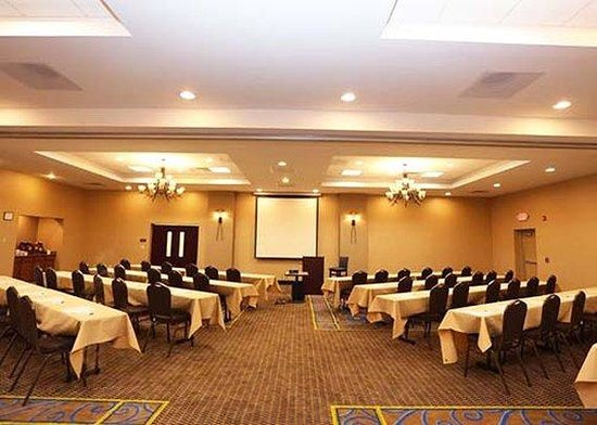 Express Inn & Suites: NYSapphire Conft Ctr Classroom