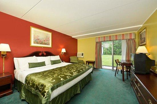 Center Street Value Inn: King Guest Room