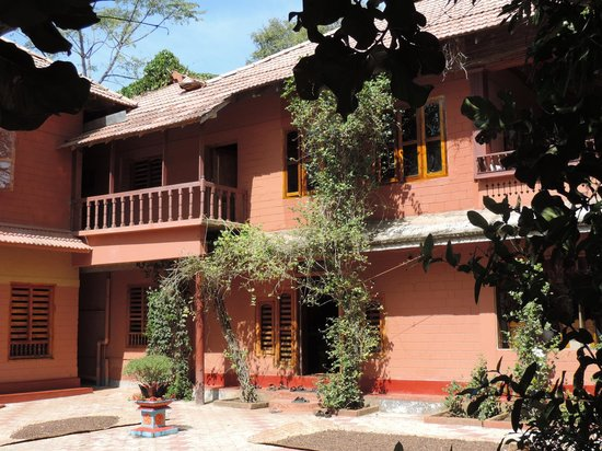 Ayurveda Yoga Villa : View at the mainhouse