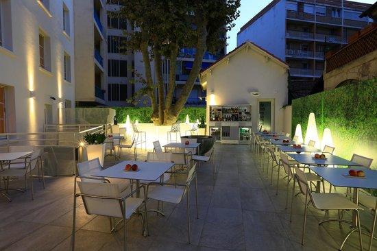 Hôtel Cezanne : Terrasse