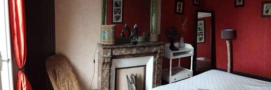 Appartement d'hotes Folie Mericourt : cahmbre ethnic