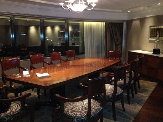 InterContinental Bangkok : Diplomatic Suite Dining Room