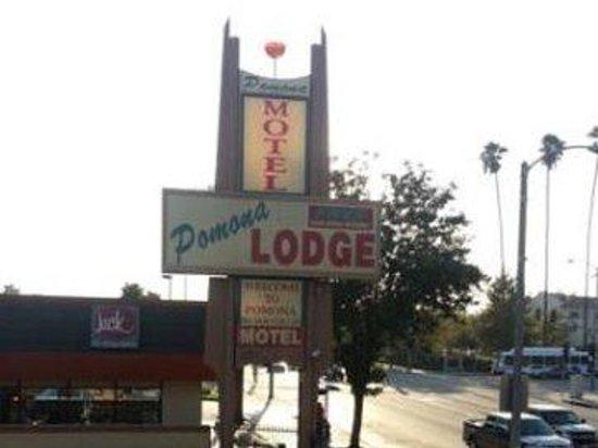 Pomona Lodge : Sign