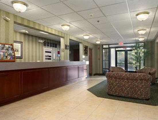 Baymont Inn & Suites Lexington : Lobby