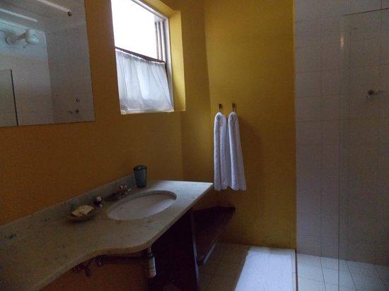 Pousada Valhacouto : Banheiro!