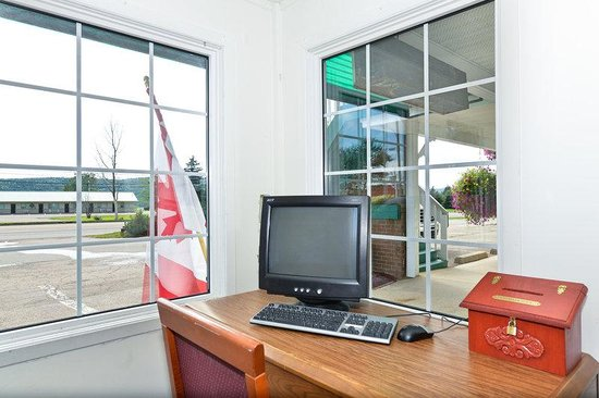 Canada's Best Value Inn - Port Hawkesbury/Port Hastings : Business Center