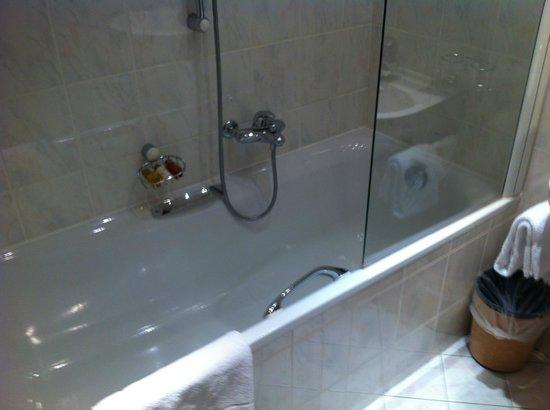 Grand Hotel du Parc : Salle de bains