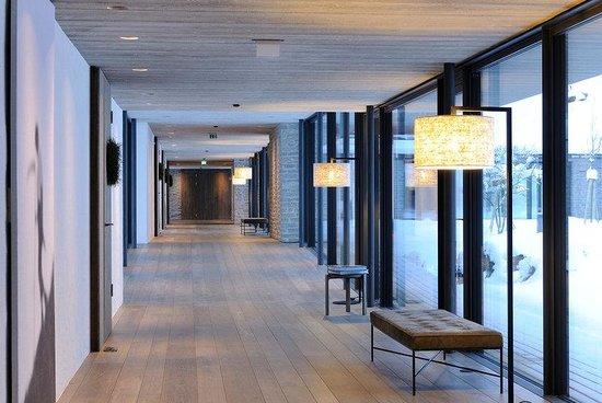 Lobby bild von designhotel wiesergut saalbach for Designhotel wiesergut