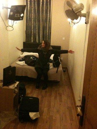 Oxford Hotel London : camera piccolina
