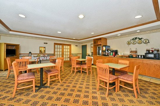 Americas Best Value Inn and Suites Marion: Breakfast_Area
