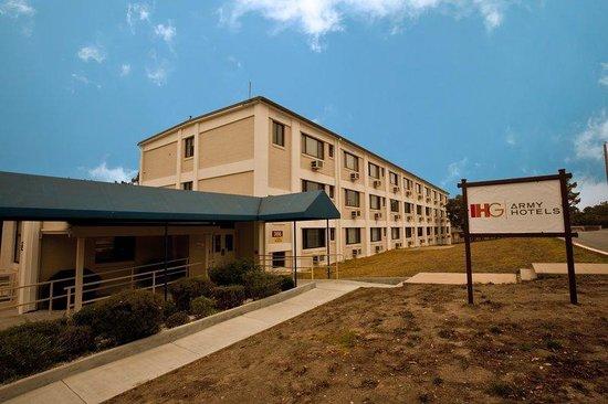 IHG Army Hotel - Presidio of Monterey : Bldg 366 Entrance