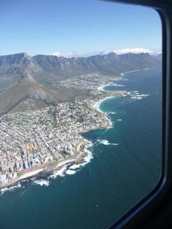 CUBE Guest House: Hubschrauber-Flug über die Bay