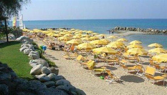 Villaggio Club Baia del Sole: Beach