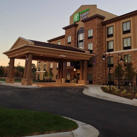 ‪Holiday Inn Express & Suites Wichita Northeast‬