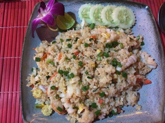 K beach : Rice with seafood - giant!!